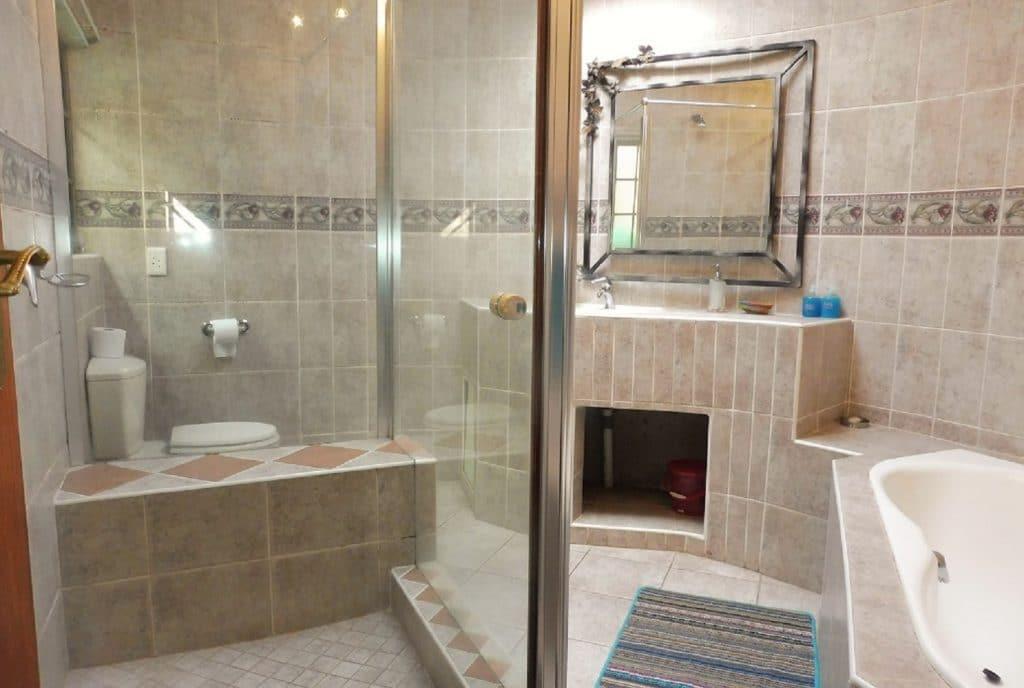 st-lucia-escape_holiday-house-2_bathroom2