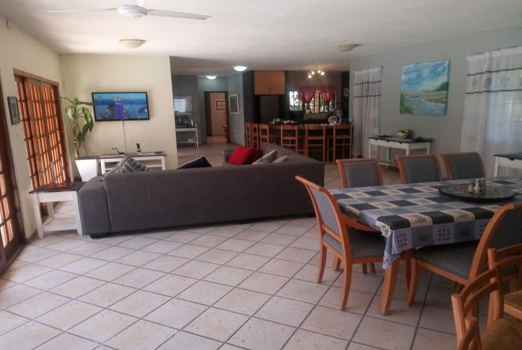 st-lucia-escape_holiday-house-2_lounge